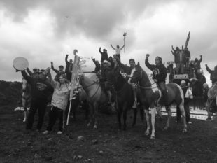 "Artists Organize Mass Migration to Standing Rock, Peacefully ""Arm"" the Front With Mirrored Shields"